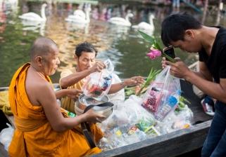 kwan-riam-floating-market-monk-merits-9-of-29